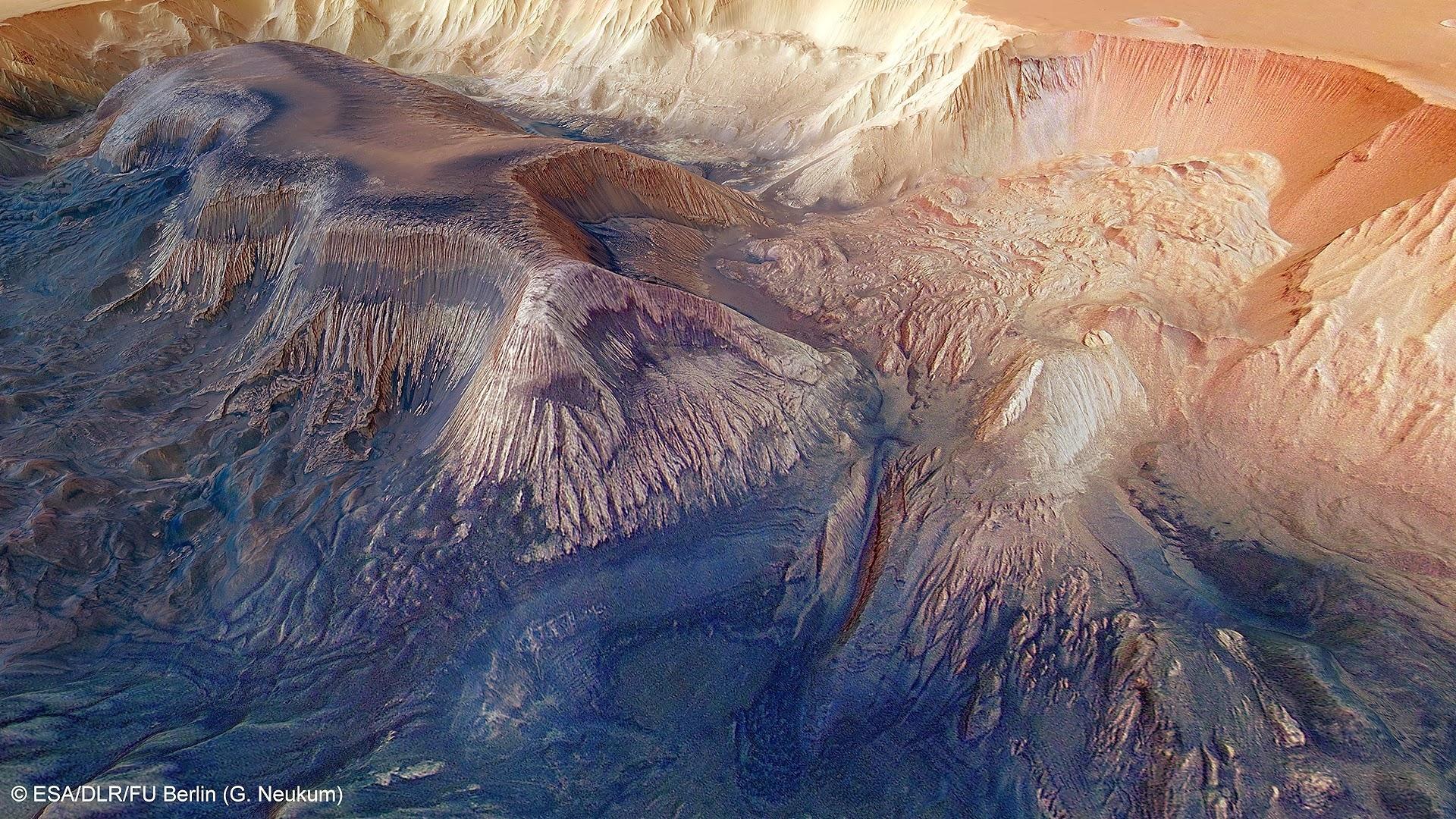 https://lh4.googleusercontent.com/-VSIt0OG7uHM/Ulmtz6Ojt9I/AAAAAAAAAXw/Z6dnVStIas8/s0/Hebes_Chasma_landslides.jpg