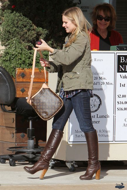 louis vuitton tote celebrity. hollywood celebrity wearing lv odeon louis vuitton tote celebrity