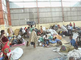 Les expulsés de Brazzaville dans leur nouveau site d'accueil aménagé à Maluku dans la périphérie est de Kinshasa, le 15 mai 2014. Radio Okapi/Ph. John Bompengo.