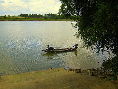 Những bài thơ tình con sông quê hương hay nhất