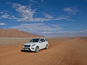 Mercedes-Benz-M-Class_2012_1600x1200_06