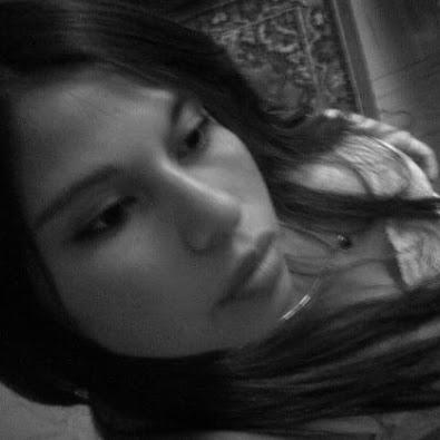 Karen Urrutia Photo 25