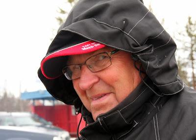 Sture skyddar öronen mot snöovädret