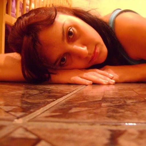 Adriana Borges Photo 22