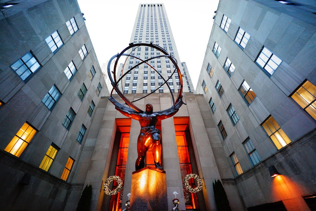 Atlas at the entrance of Rockefeller Center