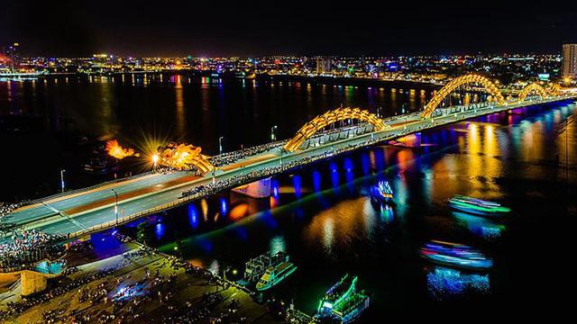 cầu Rồng Đà Nẵng lúc về đêm