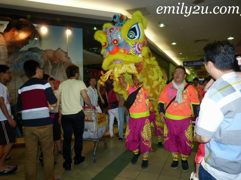 Lion Dance AEON Kinta City