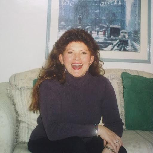 Gloria Young Photo 26
