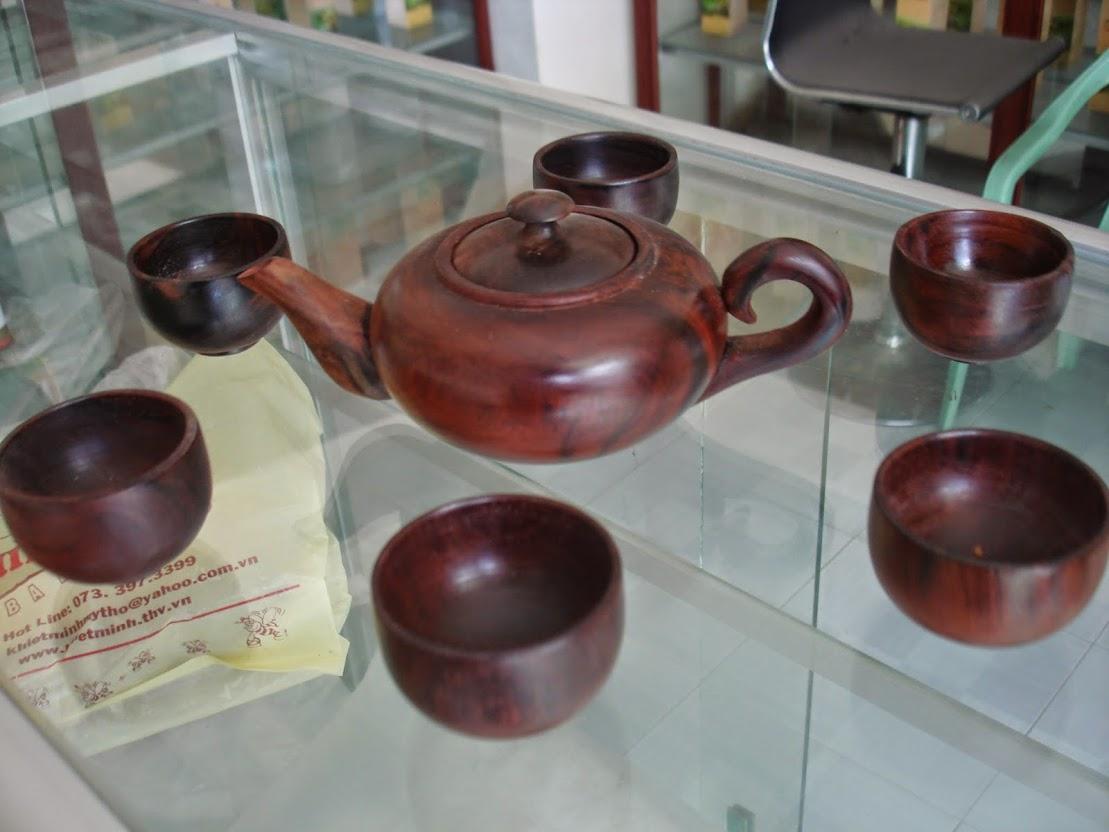 Bán 1 bộ ấm chén uống trà mini bằng lõi gỗ trắc, giá 700k,mọi người ghé xem tí nha.