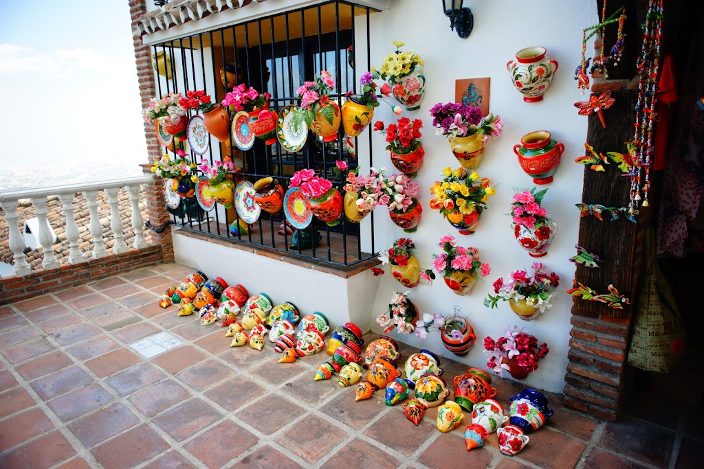 andalusian pottery in Mijas