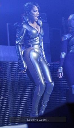 JANET JACKSON SEXY TOUR PERFORMANCE PICS