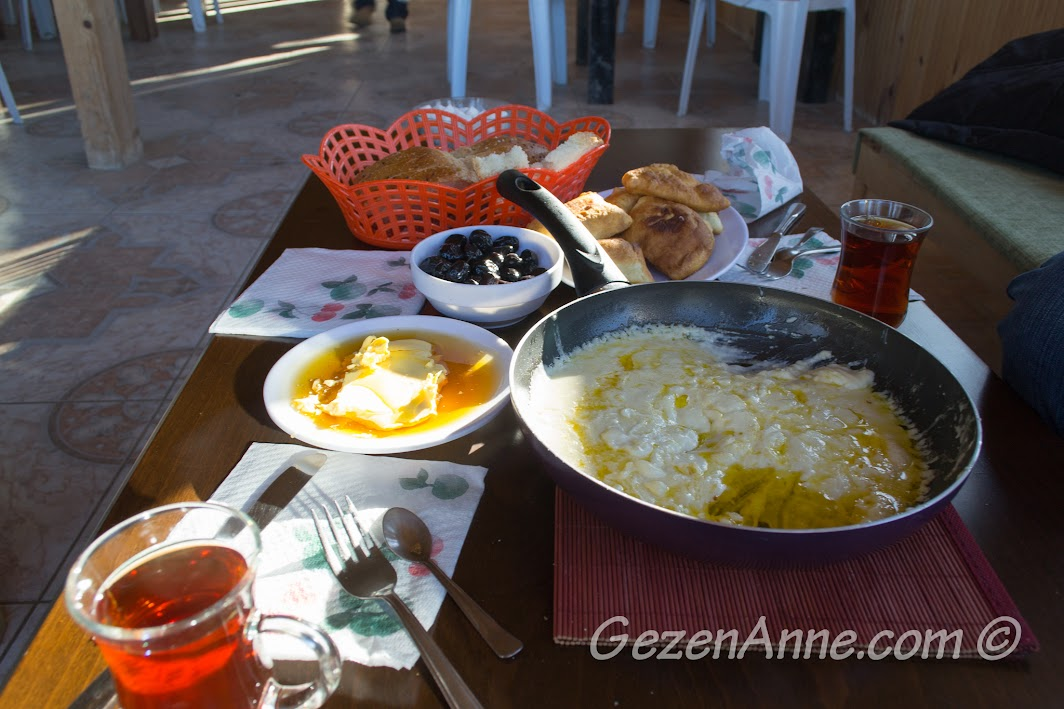 Kahvaltı sofrası, İzmit Aytepe