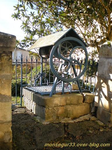 puits public Sauveterre