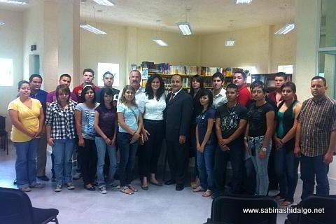 Diputada Martha de los Santos con estudiantes, docentes y directivos de FACDYC Sabinas