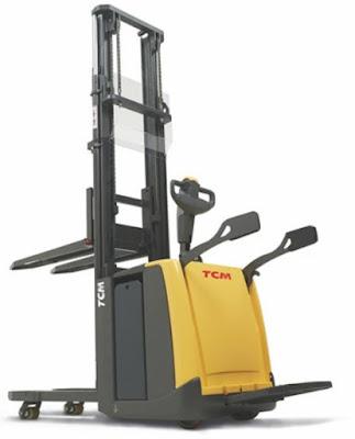 Xe nâng stacker TCM cao 3m 4.5m Nhật Bản