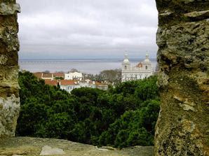 Вид на Лиссабон со стен крепости Святого Георгия