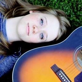 Alexia Moore Photo 17
