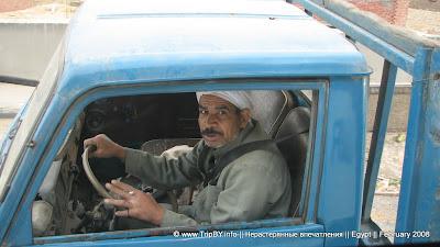 Очень старый автомобиль в Каире by TripBY.info