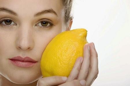 El limón, excelente para quitar las manchas en la cara