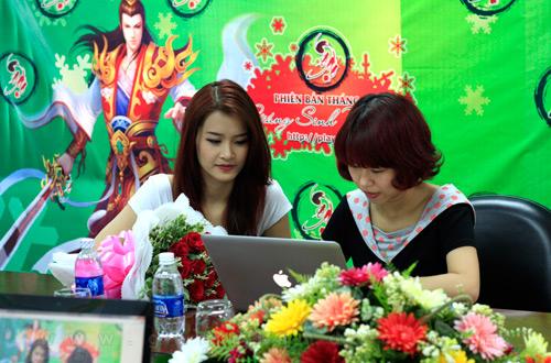 Đông Nhi muốn làm đại sứ của webgame Ngạo Kiếm 1