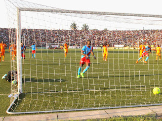 But des Léopards de la RDC le 11/10/2014 au stade Tata Raphael à Kinshasa, lors de la défaite contre les Eléphants de la Côte d'Ivoire score: 1-2. Radio Okapi/Ph. John Bompengo