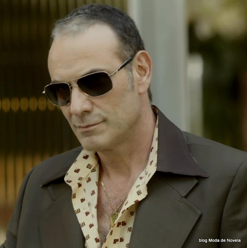 moda da novela Boogie Oogie - óculos do Fernando dia 4 de agosto