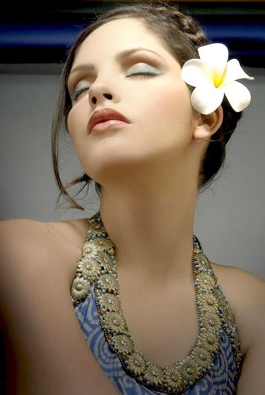 Gita Soto hot photo