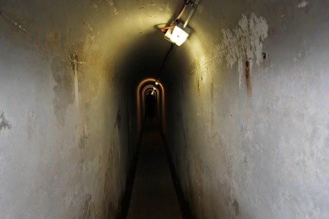 Tunnels to the guns, Sydney