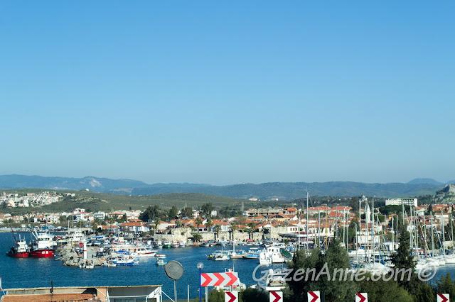 Sığacık'ta liman, kale ve kale içi manzarası, Seferihisar