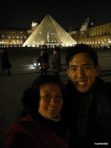Mr. & Mrs Hu at Louvre (1)