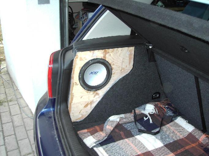 polo 6n subwoofer einbaul sung gesucht. Black Bedroom Furniture Sets. Home Design Ideas