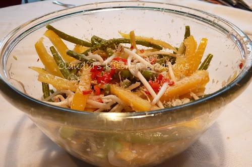 Claudia's knapperige salade met Aziatische dressing