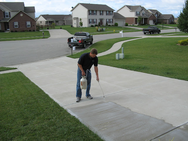 Concrete driveway sealing contractor jaco waterproofing for Best way to clean cement driveway