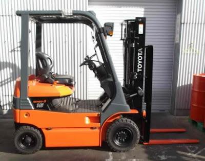 Xe nâng điện Toyota 1.5 tấn cao 3m 4m