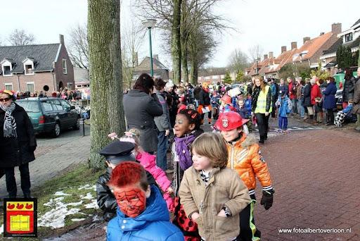 carnavalsfeest op school 08-02-2013 (11).JPG