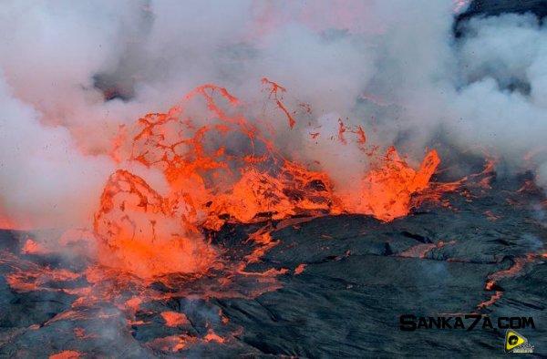 استكشافية لبركان نيراجونجو افريقيا 10.jpg