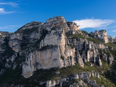 Morro Desplegat i Pont Foradat, vist des d'un petit mirador sota la Punta de l'Àguila
