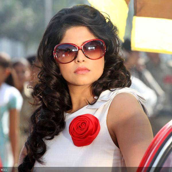 Sai Tamhankar in a still from the Marathi movie Duniyadari.