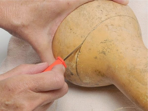 Como cortar uma cabaça para artesanato