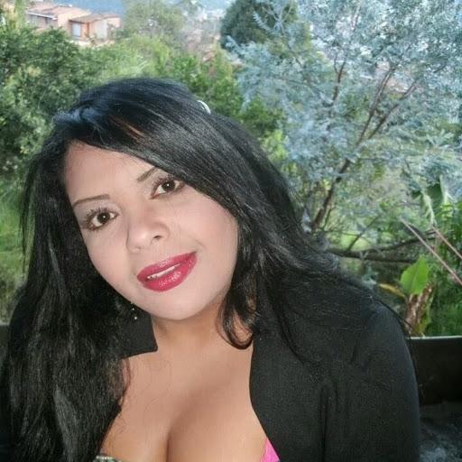 Natalia Valencia Photo 24