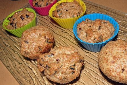 muffiny z suszonymi śliwkami i otrębami