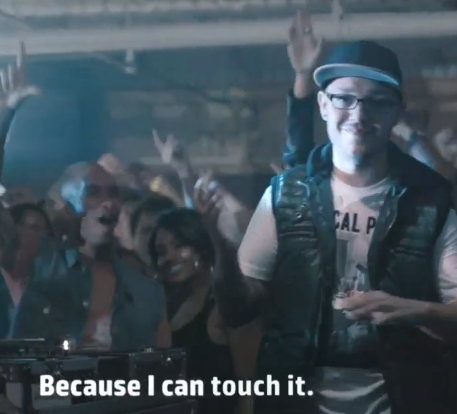"HP and Windows 8 ""Sound of Touch"" featuring Deaf DJ Robbie Wilde"