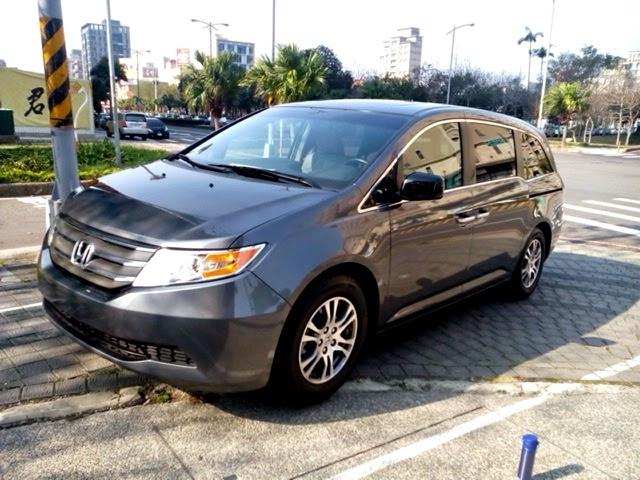 HONDA ODYSSEY台灣價錢,規格,配備,顏色,油耗,貿易商新車二手車中古車新古車外匯車價格行情介紹及試駕心得評價開箱分享