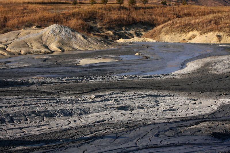 Berca Buzau fenomene geologice Romania diapir drumetie