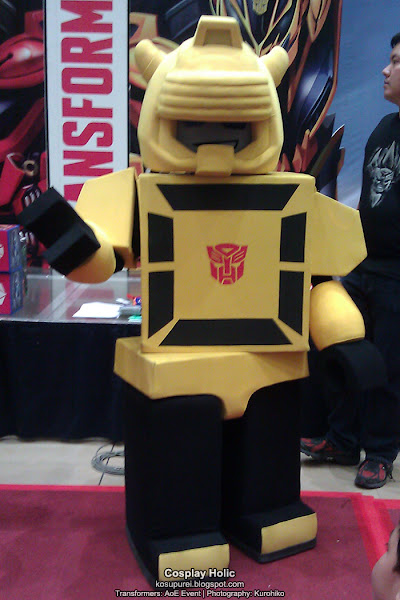 transformers cosplay - bumblebee (kre-o) at age of extinction megamall event 2014
