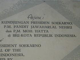 Atjara Kunjungan Presiden Soekarno, P.M Pandit Jawaharlal N, dan P.M Moh Hatta di Ibukota RI  Tahun 1952.harga 150.000rupiah