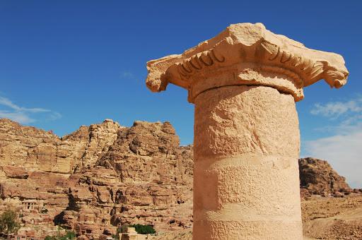 Иордания: Колонна в городе Петра