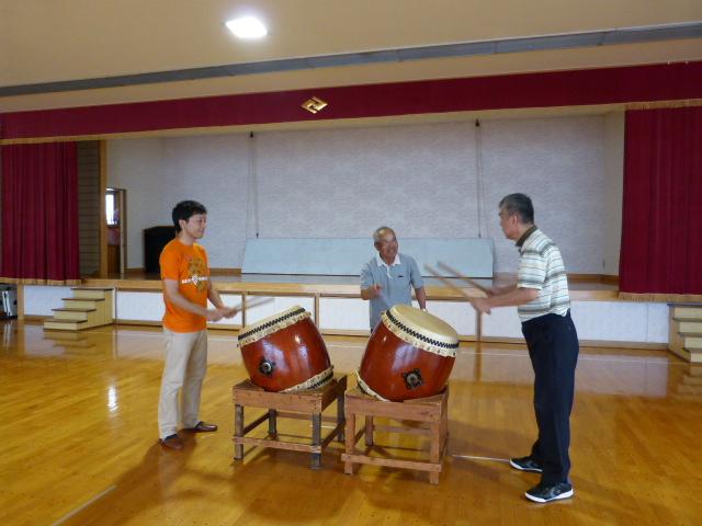 ケアハウスハーモニーコート 施設長 上野光彦氏と太鼓をしました