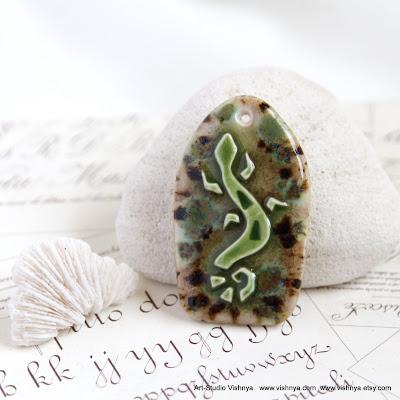 Кулоны и кабошоны из шаманской серии - авторская керамика Элли Вишневской