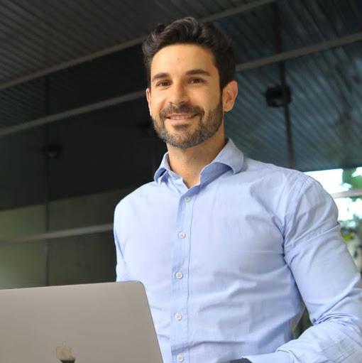 Alberto Aliaga avatar